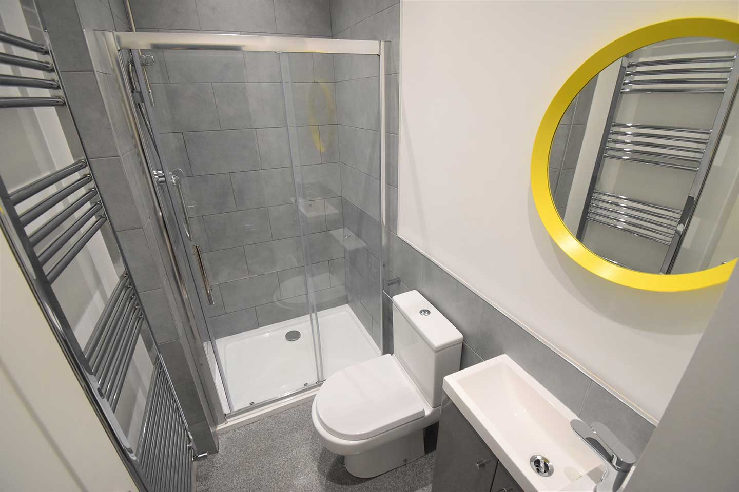 60-Donnington-Road-bathroom-2