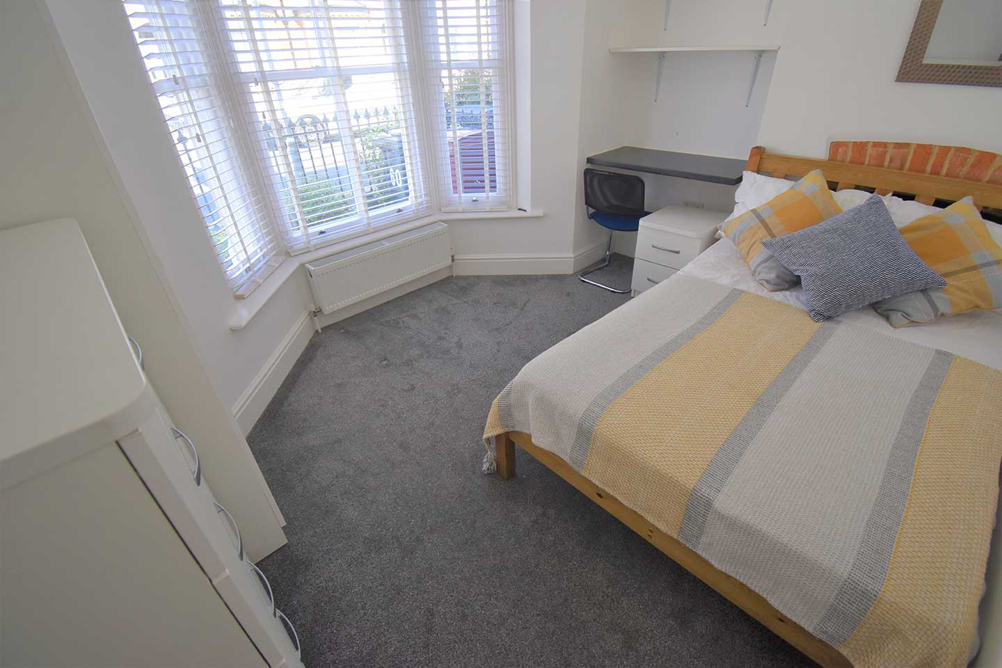 60-Donnington-Road-bedroom-2